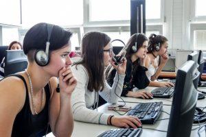 1553779926-10-dovodov-preco-ist-studovat-na-fakultu-elektrotechniky-a-informacnych-technologii-uniza